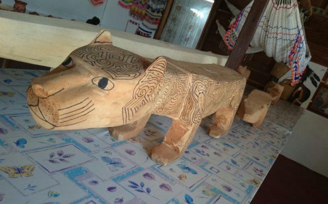 Jaguar_sculpté_bois_amérindien